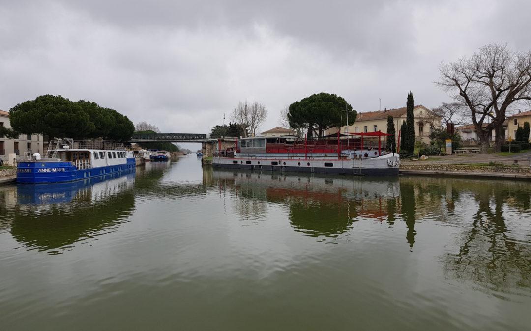 Entrée du canal du Rhone à Sète.